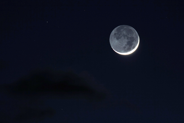 Earthshine_13032013_wide